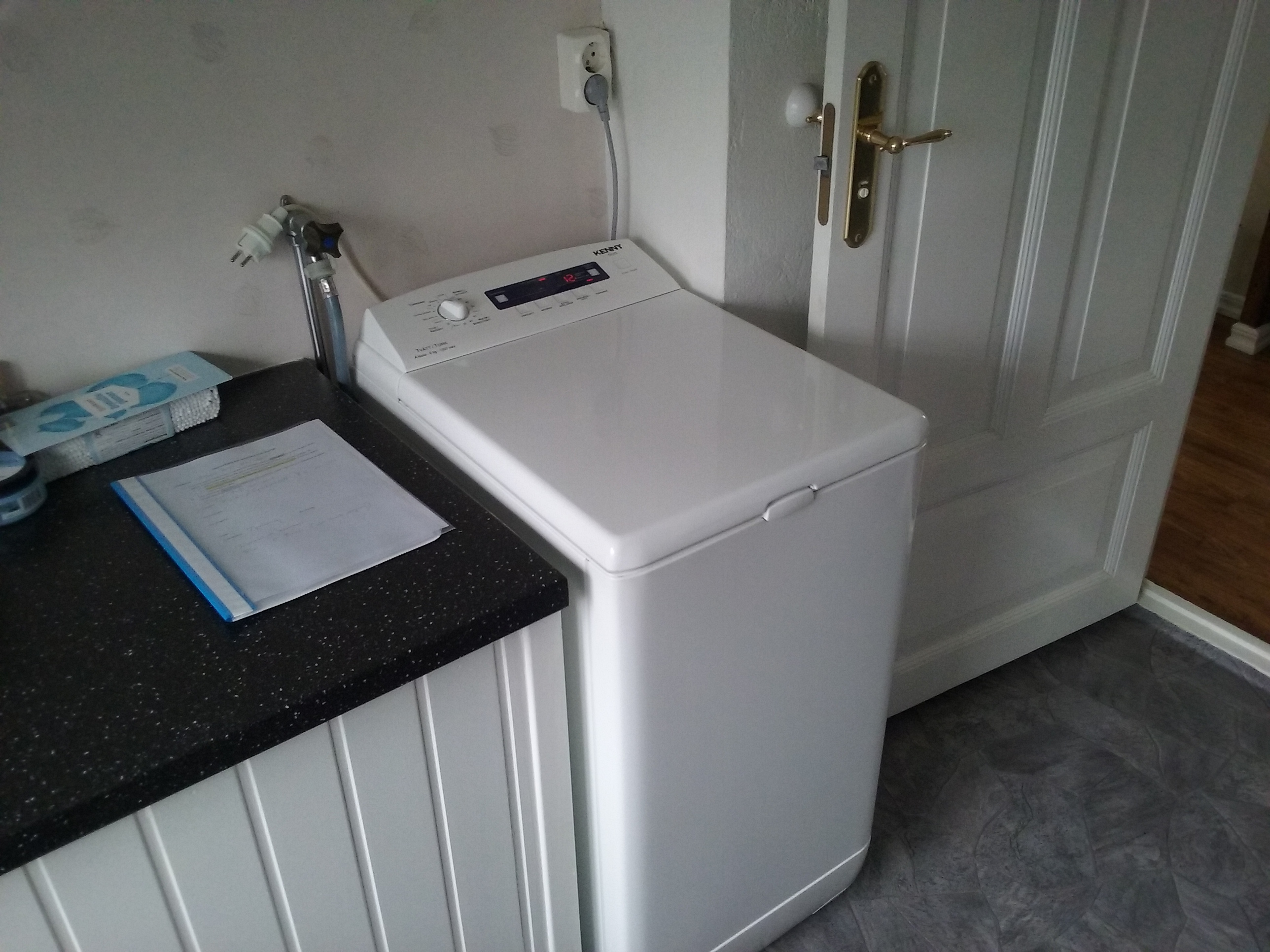 Small washingmachine and dryer
